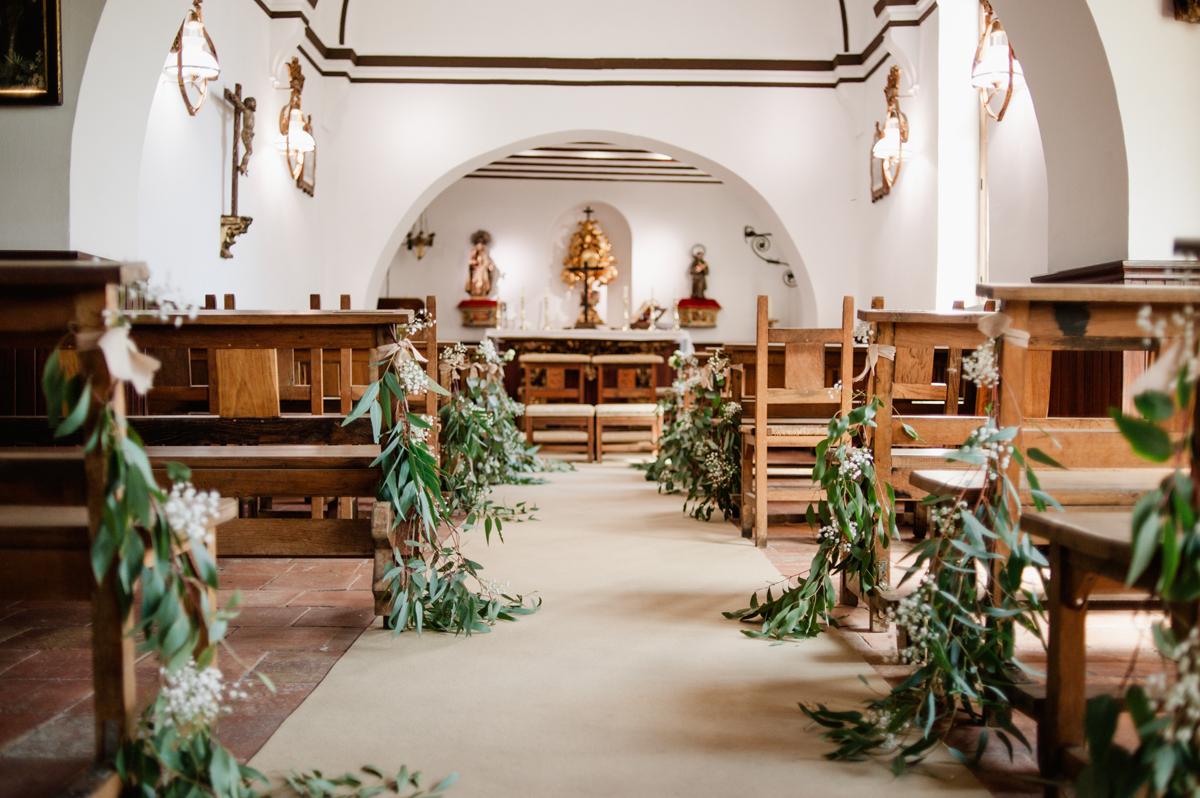 decoración iglesia boda verde olivo